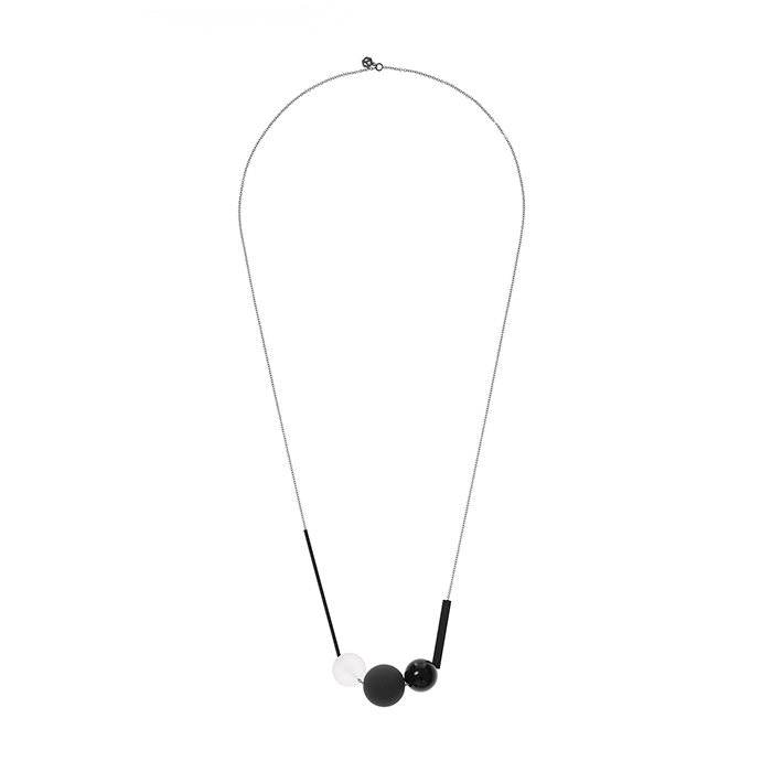 Wonderland Black Necklace
