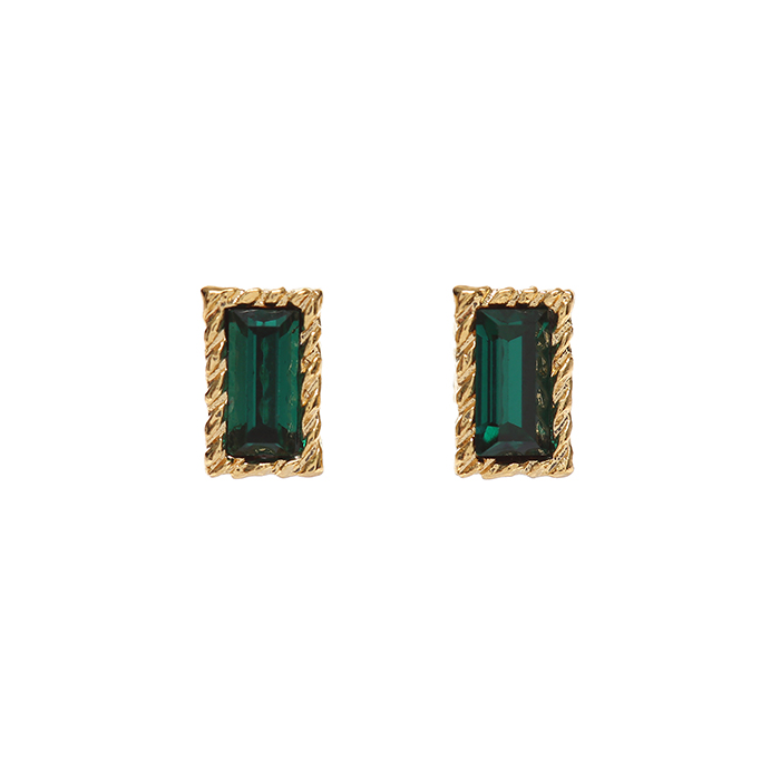 <b>전소민, 김희선 착용</b><br>Lover Square Crystal Earrings