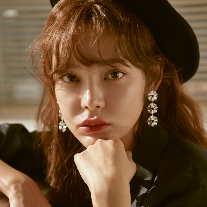 <b>김소현, 이다해, 박시연 착용</b><br>Joli Flare 3 Layers Earrings