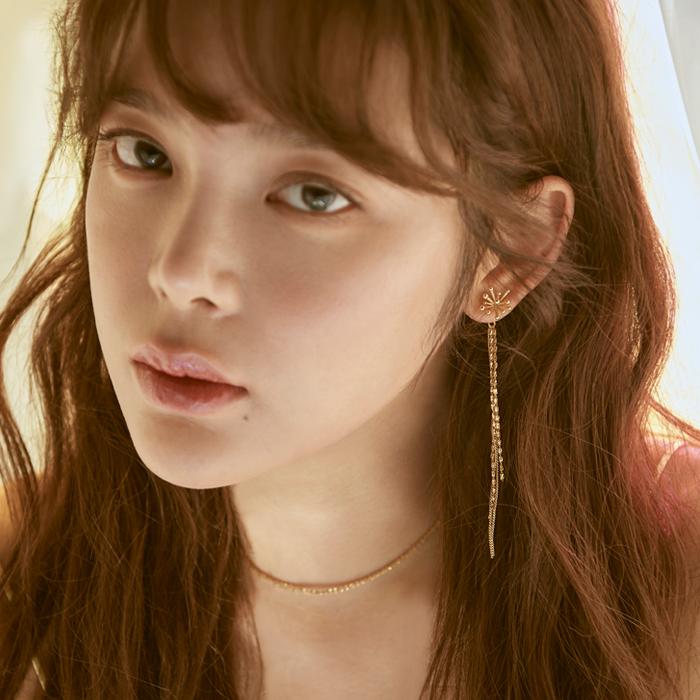 <b>선미, 박민영, 이사배, 김하늘 착용</b><br>Joli Dazzle Chain Drop Earrings