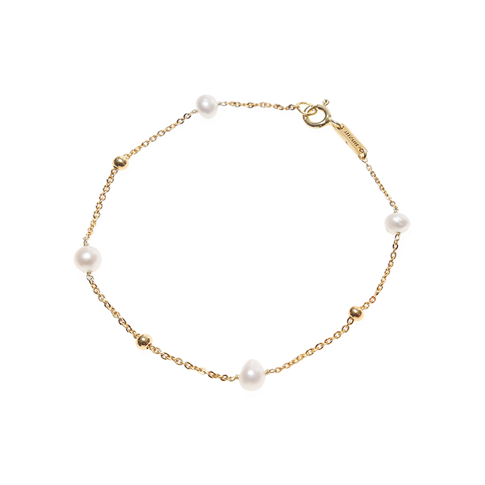 Holiday Pearl Bracelet