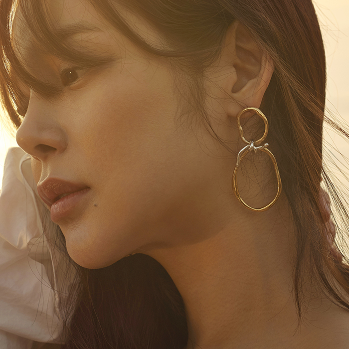 Flow Tied Wave Circle Layers Earrings